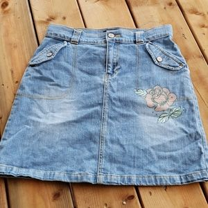 Gap kids stretch jean skirt with rose